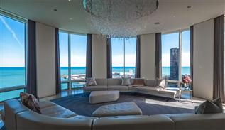 Luxe penthouse in Chicago