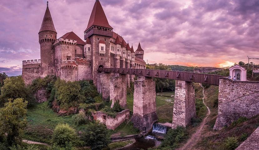 قلعه برن یا دراکولا کجاست؟ با تصاویر با کیفیت و جذاب