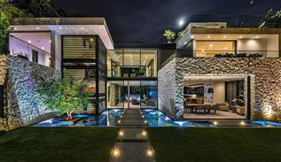 Modern villa on Sierra Alta street in Los Angeles
