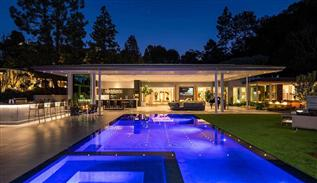 Loma Vista modern house in Beverly Hills