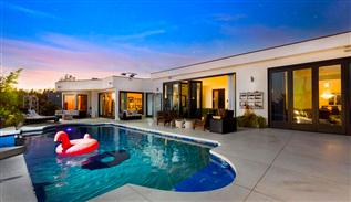 Carla Ridge luxury villa in Beverly Hills